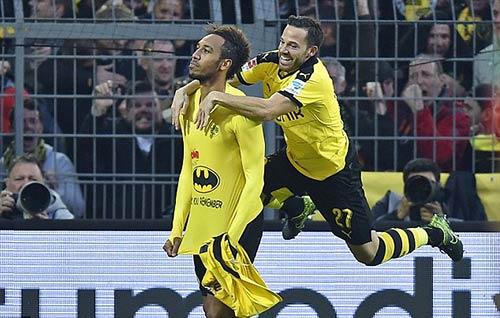 """""""Người Dơi"""" của Dortmund ghi bàn như siêu xe - 2"""