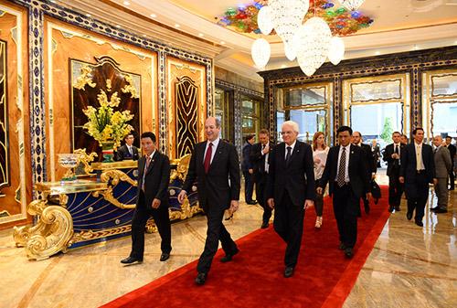 Khách sạn lộng lẫy nhất SG đón vị khách đặc biệt từ Ý - 1