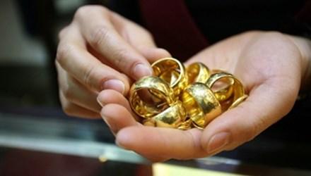 Nhiều cửa hàng mua phải vàng dỏm Trung Quốc - 1