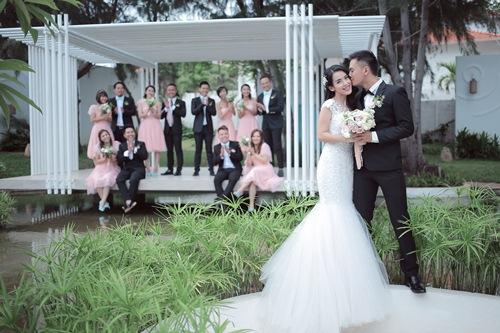 Bộ ảnh cưới siêu dễ thương của Tú Vi - Văn Anh - 1