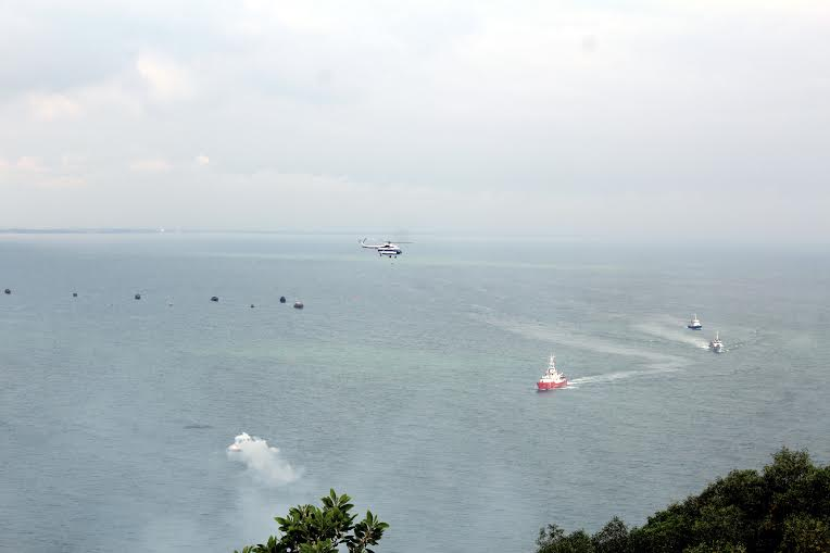 Hàng chục máy bay, tàu biển diễn tập cứu nạn hàng không - 2