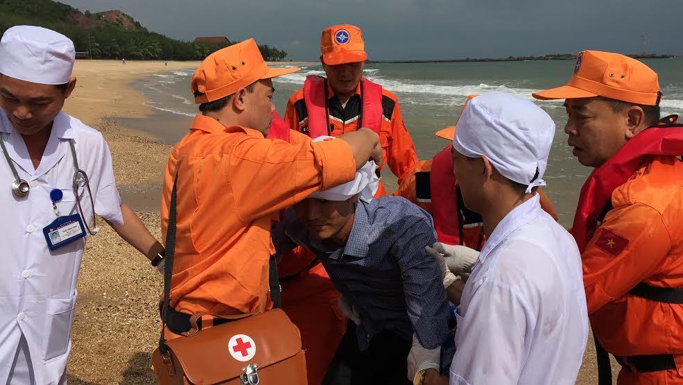 Hàng chục máy bay, tàu biển diễn tập cứu nạn hàng không - 7