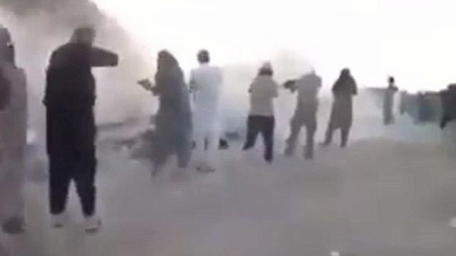 Sự thật đằng sau video 200 trẻ em bị IS hành quyết - 3