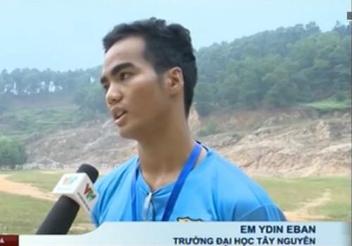 Ydin Eban: Chàng sinh viên Tây Nguyên mê bắn súng - 1