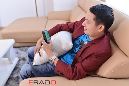 Hé lộ bộ ghế sofa ERADO có tính năng massage đầu tiên - 2