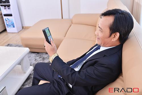 Hé lộ bộ ghế sofa ERADO có tính năng massage đầu tiên - 4