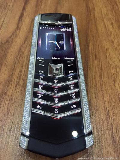 Điện thoại bán chạy cho doanh nhân với giá 14 triệu đồng - 2