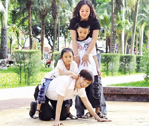 """Những sao Việt """"vợ con đề huề"""" mặc thị phi giới tính - 3"""