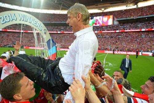 """Wenger thừa nhận có thể """"quay lưng"""" với Arsenal - 2"""