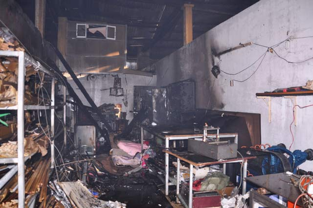 """Cháy 11 ki ốt: """"Tôi còn mỗi bộ quần áo trên người"""" - 6"""