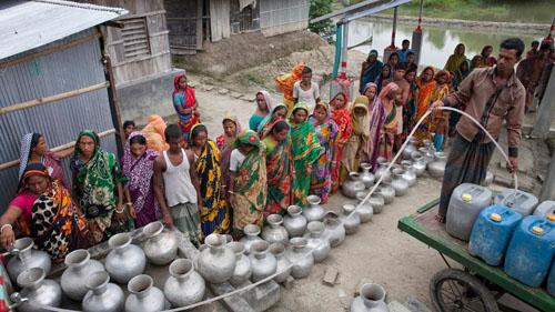 Ảnh: Sống trong cảnh ô nhiễm dễ sợ ở Bangladesh - 12