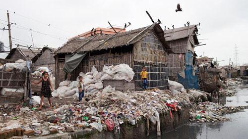 Ảnh: Sống trong cảnh ô nhiễm dễ sợ ở Bangladesh - 2