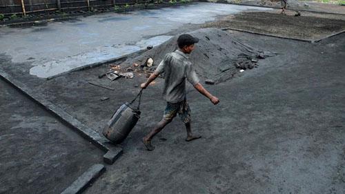Ảnh: Sống trong cảnh ô nhiễm dễ sợ ở Bangladesh - 5