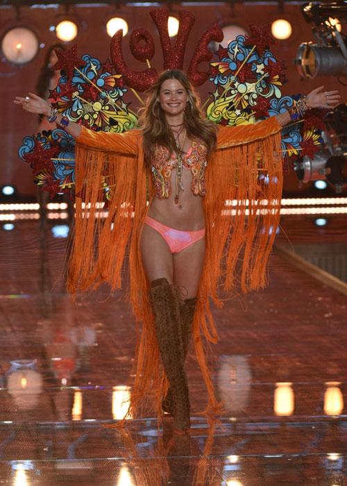 Dàn mẫu nội y cực gợi cảm trong show Victoria's Secret - 3