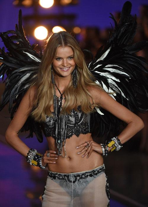 Dàn mẫu nội y cực gợi cảm trong show Victoria's Secret - 11