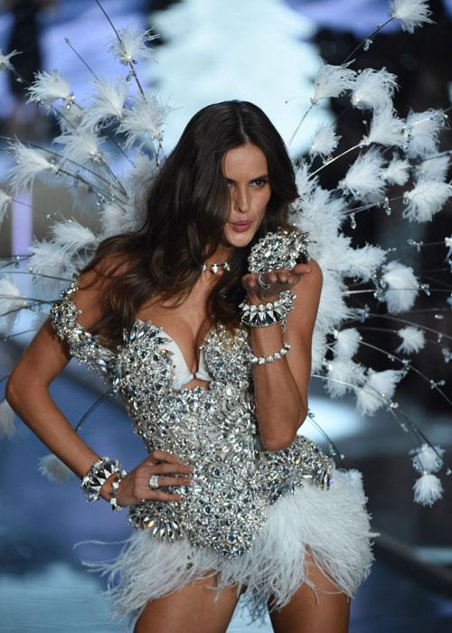 Dàn mẫu nội y cực gợi cảm trong show Victoria's Secret - 37
