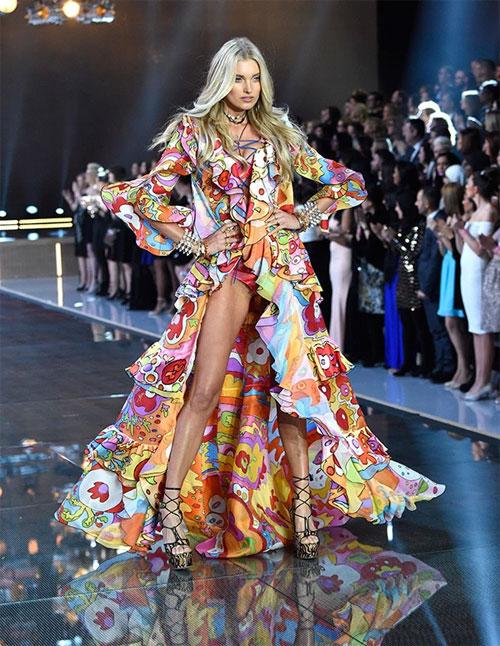 Dàn mẫu nội y cực gợi cảm trong show Victoria's Secret - 10