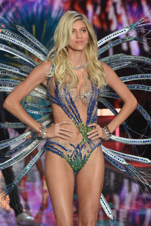Dàn mẫu nội y cực gợi cảm trong show Victoria's Secret - 47