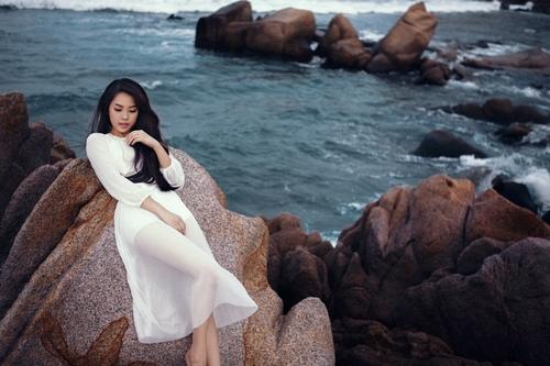 Khánh Tiên ngày càng xinh đẹp sau Vietnam Idol - 1