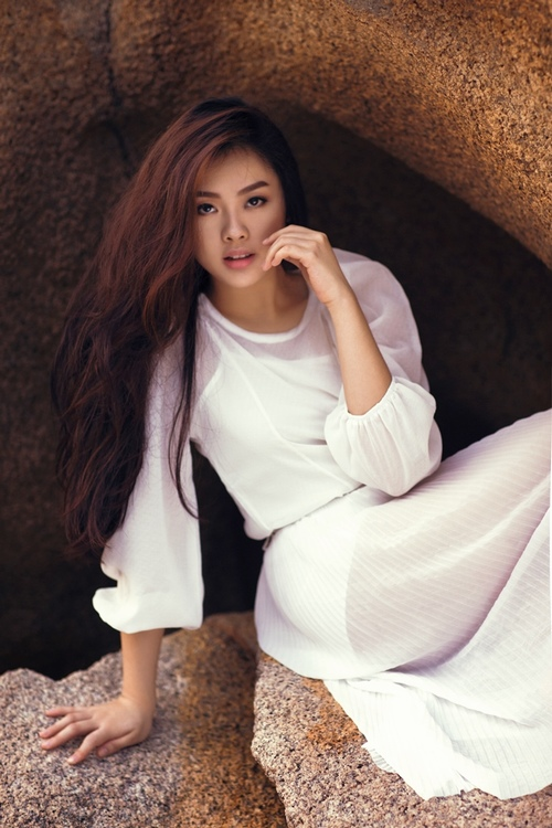 Khánh Tiên ngày càng xinh đẹp sau Vietnam Idol - 2