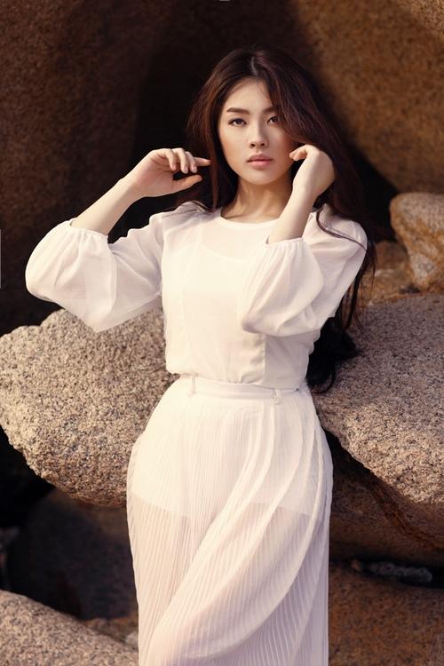 Khánh Tiên ngày càng xinh đẹp sau Vietnam Idol - 3