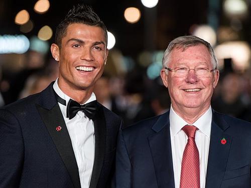 Rocker Phạm Anh Khoa gặp siêu sao Ronaldo tại London - 4