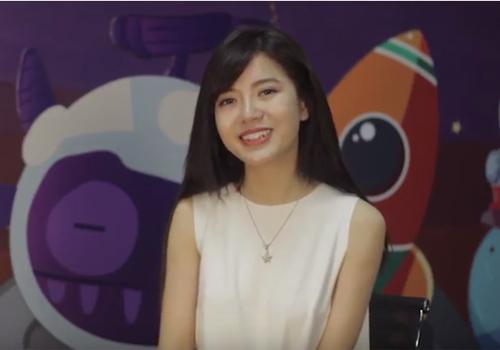 Hot girl Tú Linh tiết lộ nụ hôn đầu đời khi học lớp 10 - 1