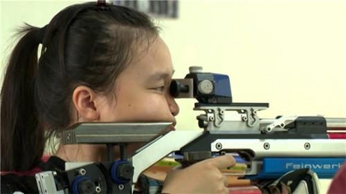 Thiếu nữ xinh người Nhật có lỡ hẹn ĐT bắn súng VN? - 1
