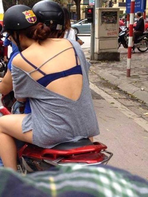 """""""Phát hoảng"""" với trang phục táo bạo của thiếu nữ trên phố - 4"""