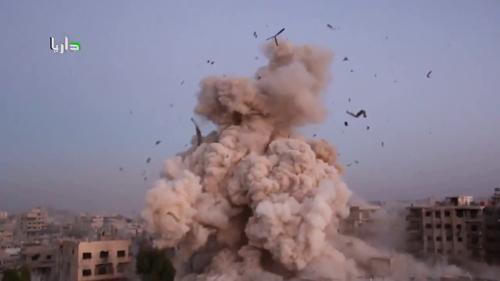 Xem máy bay Nga nã bom chùm hủy diệt căn cứ IS ở Syria - 1