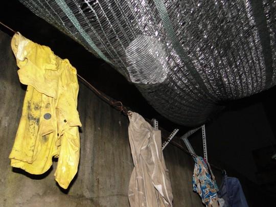 Vụ bồn nước đè chết cháu bé: Cả khu nhà trọ bị ném đá - 3