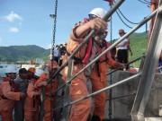 Tin tức trong ngày - Ngư dân thều thào kể lại 4 ngày trôi dạt trên biển