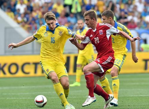 Trước loạt play-off Euro 2016: Gánh nặng trên vai Ibra - 2