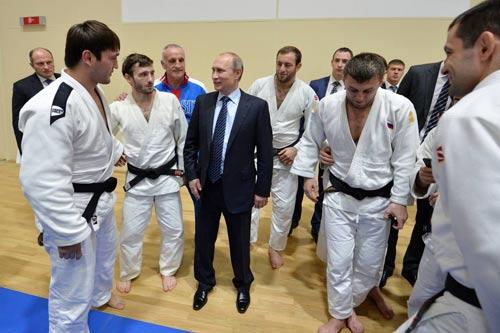 Scandal doping Nga: Tổng thống Putin hứa xử nghiêm - 1