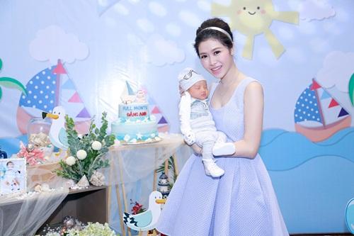 Vợ Đăng Khôi thon thả bất ngờ 1 tháng sau sinh - 3