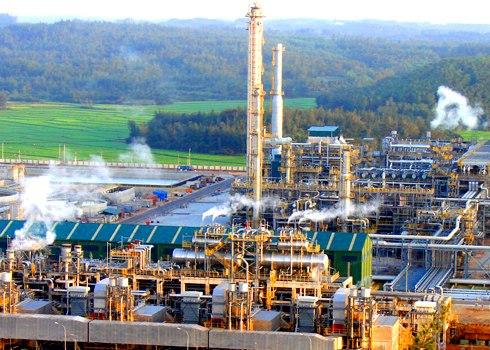 """Giá dầu giảm mạnh: Doanh nghiệp trong nước lo """"sốt vó"""" - 1"""