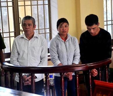 Ba đối tượng lãnh án tù vì làm giả gần 56 ngàn tờ vé số - 1