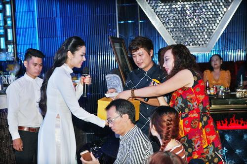 Quyền Linh kêu gọi được 200 triệu ủng hộ DV Nguyễn Hoàng - 5