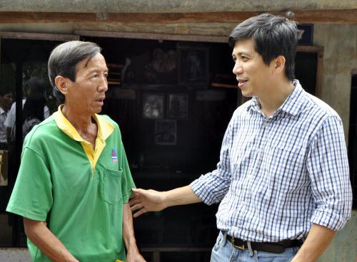 Công nhân, hộ nghèo Đồng Nai xúc động nhận quà từ Deca.vn - 3