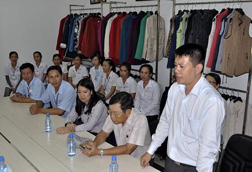 Công nhân, hộ nghèo Đồng Nai xúc động nhận quà từ Deca.vn - 5
