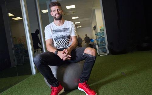 """Barca khó vô địch NHA, Messi """"tắt điện"""" trước Stoke - 1"""