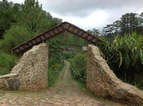 Làng Cù Lần- chốn yên bình giữa rừng thông reo - 1