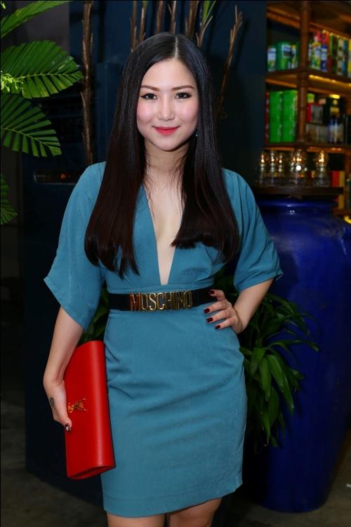 Hương Tràm, Bích Hữu xinh đẹp bên Cao Thái Sơn - 6