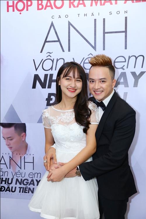 Hương Tràm, Bích Hữu xinh đẹp bên Cao Thái Sơn - 8