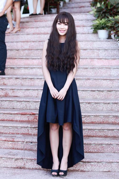 """""""Hotgirl cảnh nóng"""" Linh Miu mặc kín bưng vẫn đẹp - 1"""