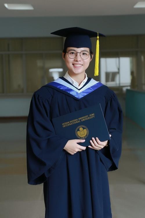 Vũ Cát Tường nhận bằng giỏi Đại học quốc tế - 7