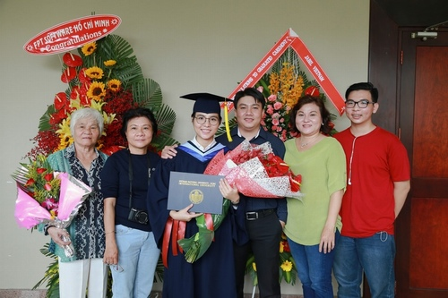 Vũ Cát Tường nhận bằng giỏi Đại học quốc tế - 9