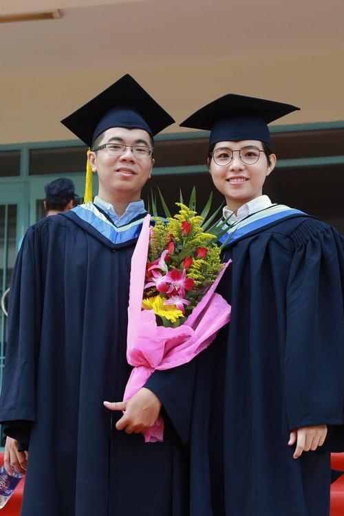 Vũ Cát Tường nhận bằng giỏi Đại học quốc tế - 3