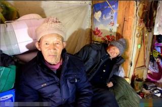 Cảm động người đàn ông mắc ung thư cưu mang lão ăn xin - 2