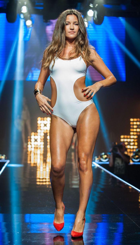 Lộ diện phiên bản khêu gợi của show Victoria's Secret - 13